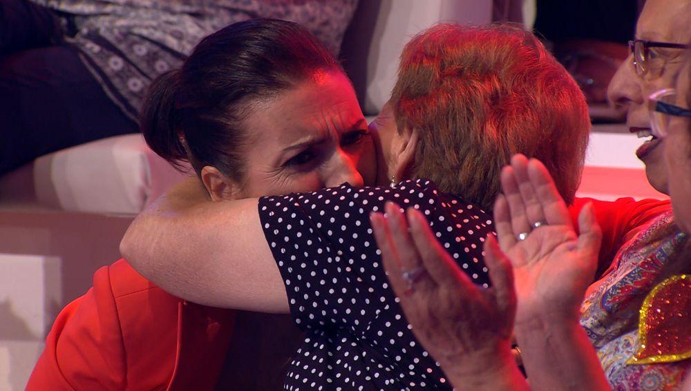 Las fans de Arturo se despiden cariñosamente de Silvia Abril