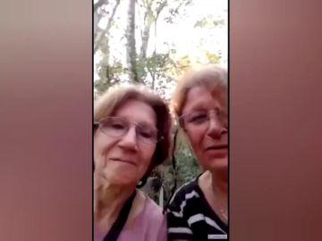 """El simpático vídeo que dos sexagenarias argentinas graban tras perderse en el bosque: """"No tenemos la más puta idea de cómo mierda salir"""""""