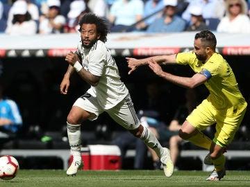 Marcelo ante Mario, jugador del Villarreal CF