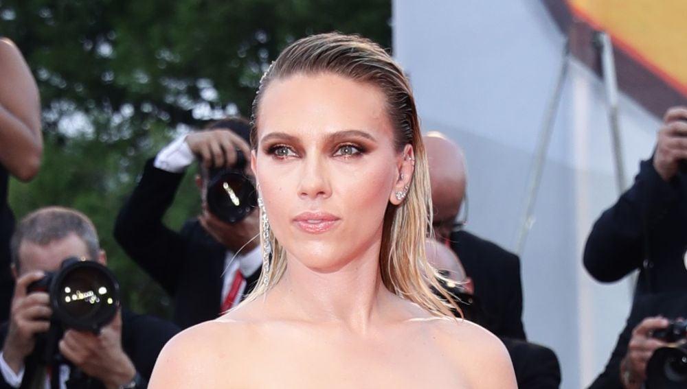Scarlett Johansson en la alfombra roja del Festival de Venecia