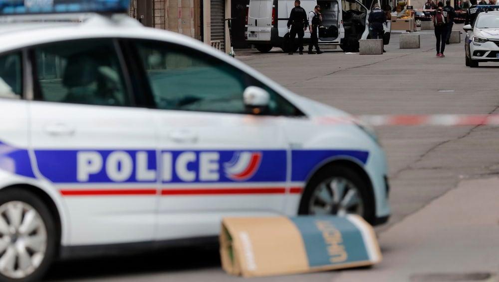 Un coche de polícia en Lyon, Francia, en una imagen de archivo