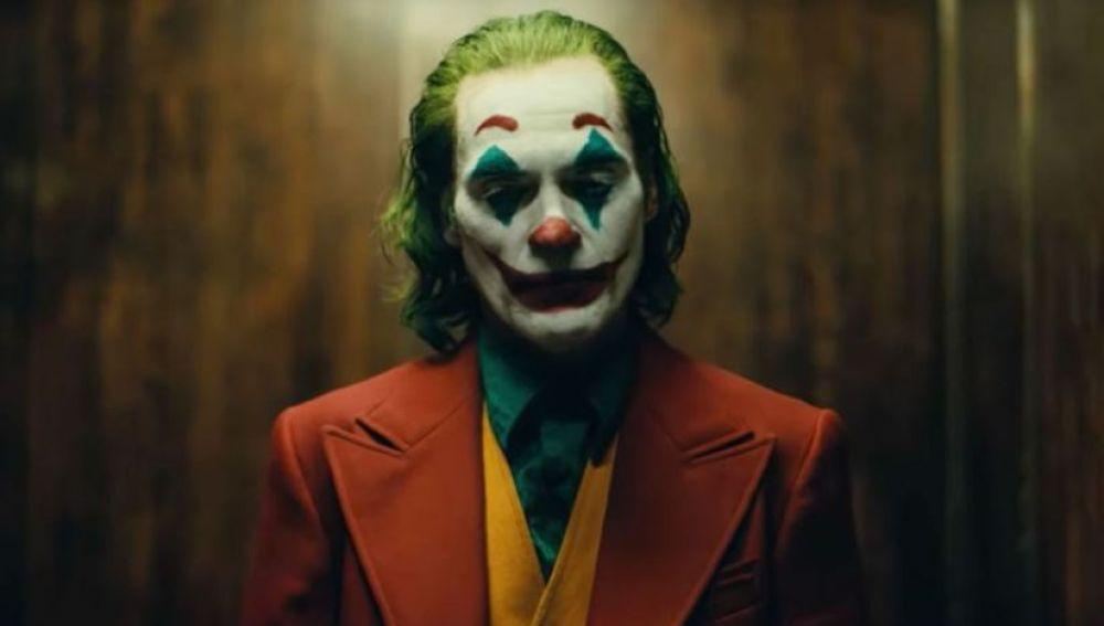 El actor Joaquin Phoenix, en un fotograma de la película 'Joker'