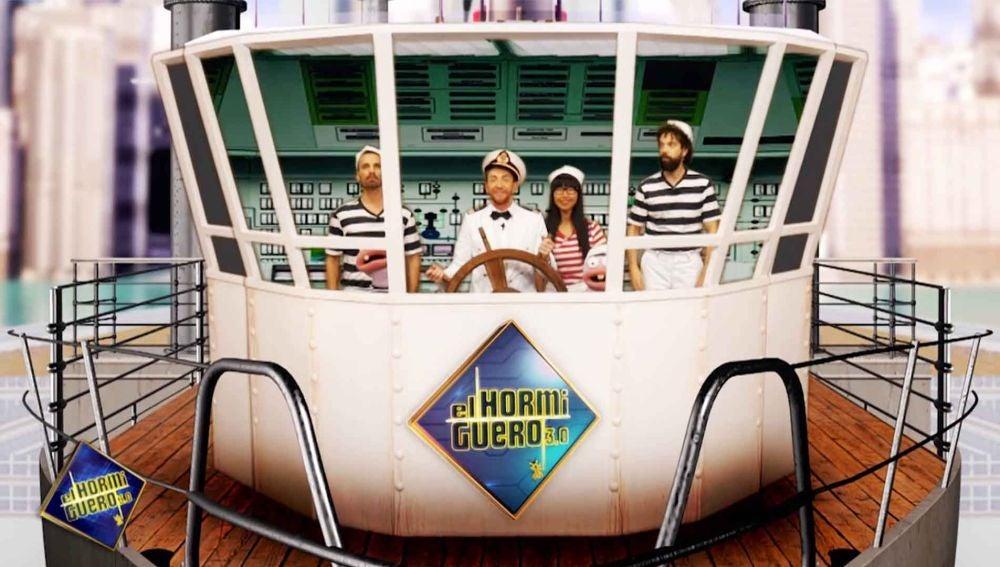 Will Smith, Penélope Cruz, Alejandro Sanz y Rosalía, protagonistas de 'Vacaciones en el Titanic', la película de 'El Hormiguero 3.0'