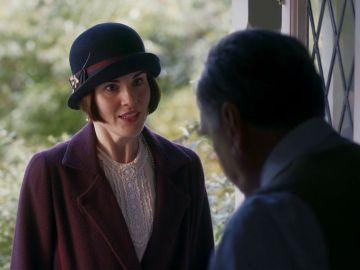Lady Mary pide ayuda al Sr. Carson en la película de 'Downton Abbey'