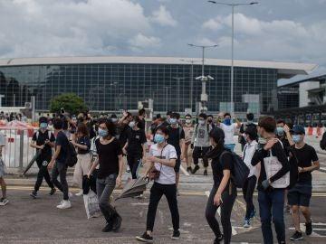 Miles de estudiantes de secundaria de Hong Kong