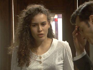 Prudencio le confiesa a Lola sus negocios con Armero