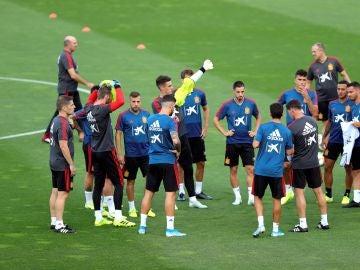 Los jugadores de la selección española en un entrenamiento en Las Rozas