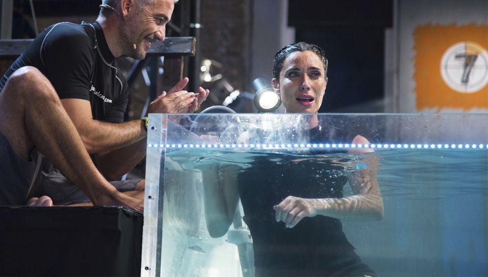 Pilar Rubio bate el récord de la apnea, el reto más extremo de 'El Hormiguero 3.0', superando los 4 minutos sin respirar bajo el agua