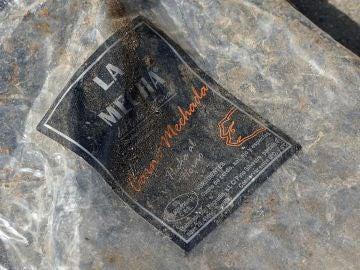 Un envase vacío de la carne mechada de la marca La Mechá