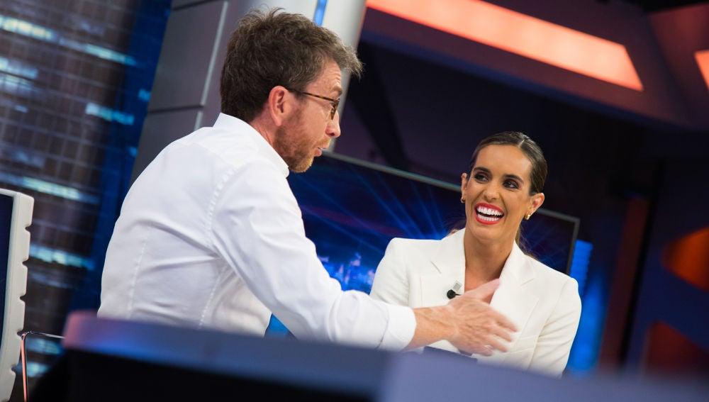 Ona Carbonell comenta en 'El Hormiguero 3.0' su polémico beso con los Reyes de España
