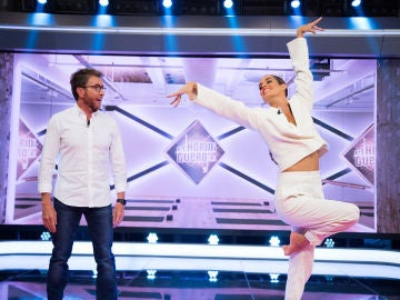 El baile sincronizado de Pablo Motos y Ona Carbonell en 'El Hormiguero 3.0'