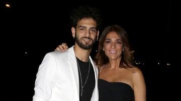 Raquel Bollo y su hijo Manuel Cortés