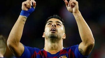 Luis Suárez celebra su segundo gol