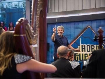 Ricardo Darín se pone al mando de la Film Symphony Orchestra en 'El Hormiguero 3.0'