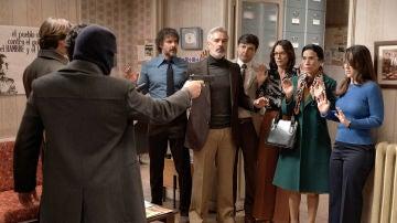 La octava temporada arranca con un peligroso asalto al bufete de abogados