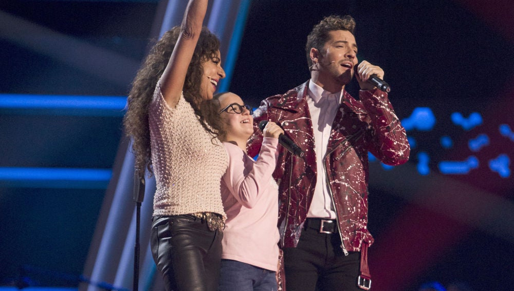 David Bisbal, Rosario Flores y Paloma Puelles cantan 'Lucía' en las Audiciones a ciegas de 'La Voz Kids'