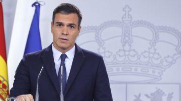 El presidente del Gobierno en funciones, Pedro Sánchez, durante la rueda de prensa que ofrece hoy martes en el palacio de La Moncloa tras la audiencia con el rey Felipe V