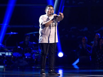 Alan Brizuela canta 'Ya me enteré' en las Audiciones a ciegas de 'La Voz Kids'