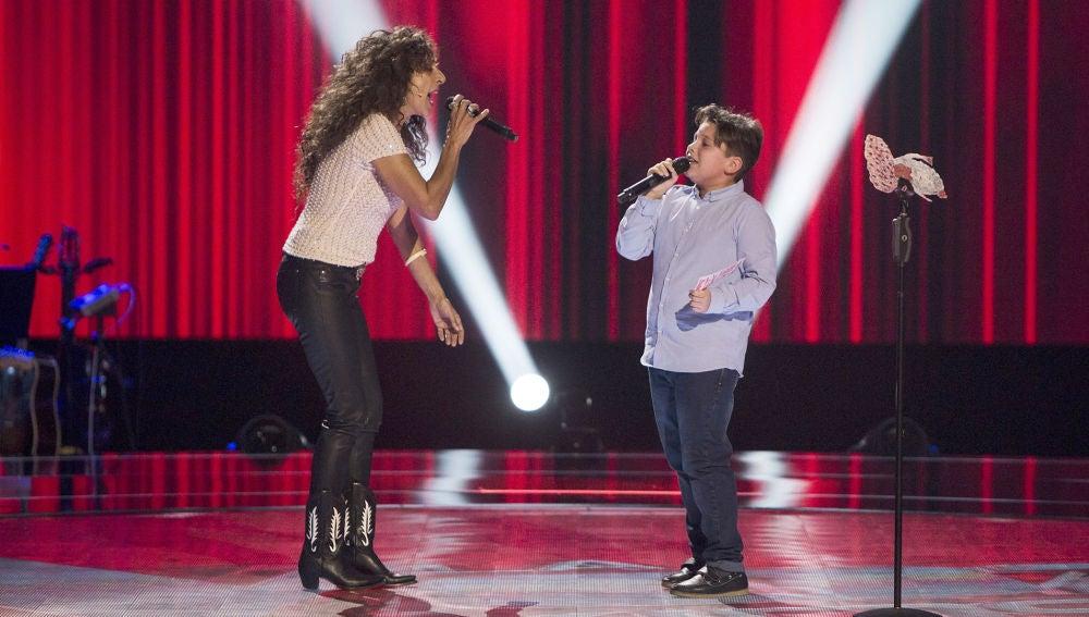 Rosario Flores y Juan Manuel Segovia cantan 'A tu vera' en las Audiciones a ciegas de 'La Voz Kids'