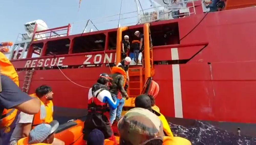 El Ocean Ving rescata a 108 personas en menos de 24 horas en el Mediterráneo central