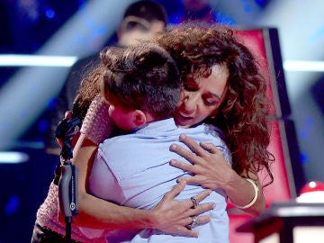 """Rosario Flores se queda fascinada con la historia de Juan Manuel Segovia: """"Soy el fan número 1 de Lola Flores"""""""