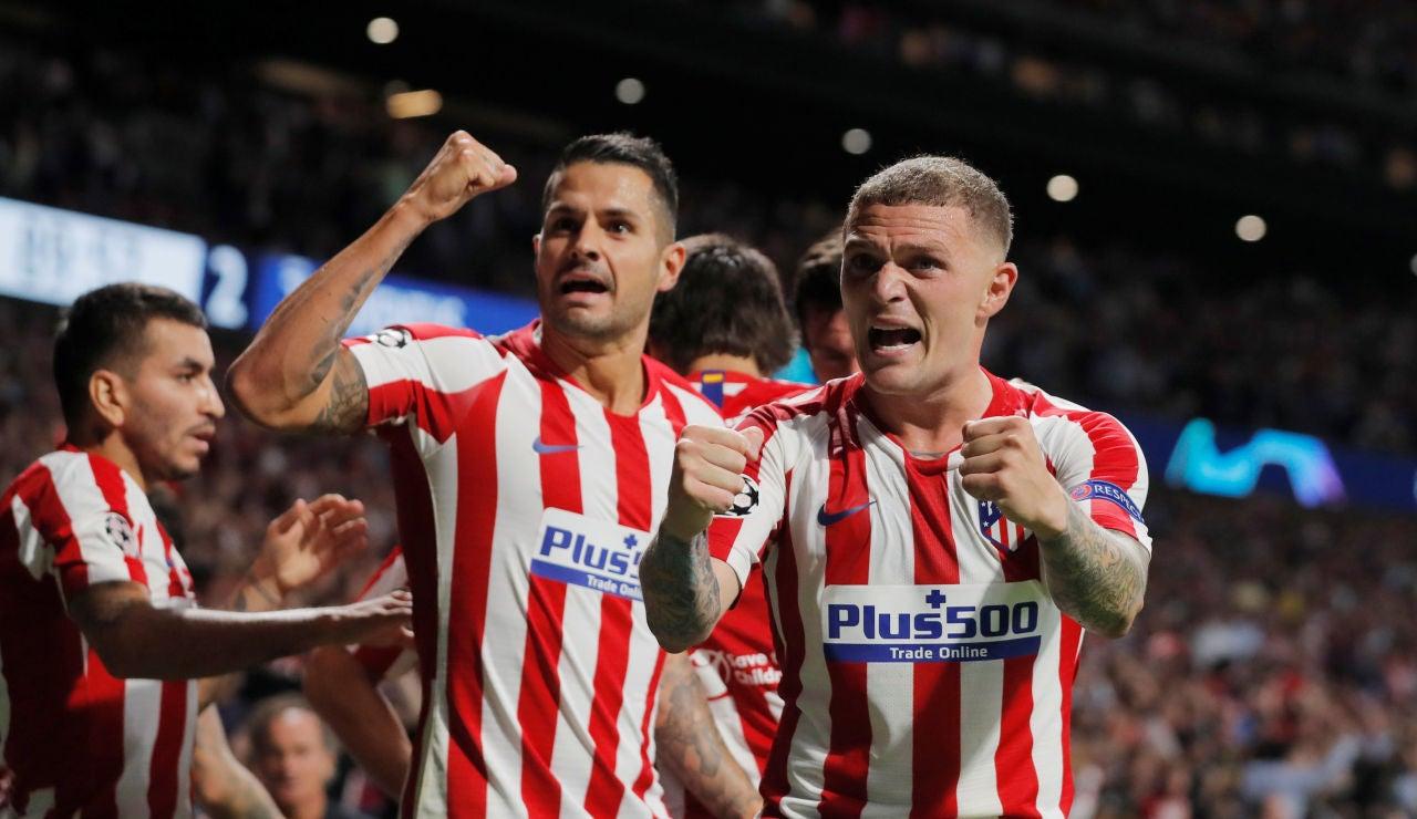 Los jugadores del Atlético de Madrid celebran el gol de Herrera contra la Juventus