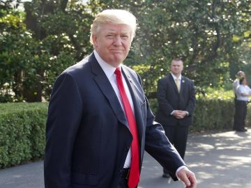 Trump aterriza en California
