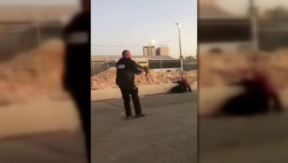 Militares israelíes matan a una palestina que intentó apuñalarles en un puesto de control en Cisjordania