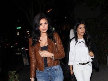Kourtney Kardashian y Kylie Jenner