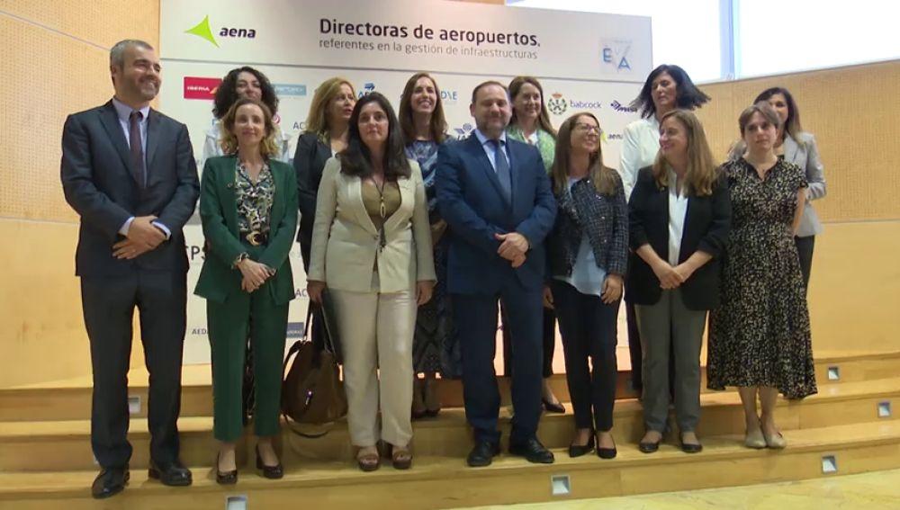 'Ellas vuelan alto' debate sobre el papel de las mujeres en el sector aeroespacial en España