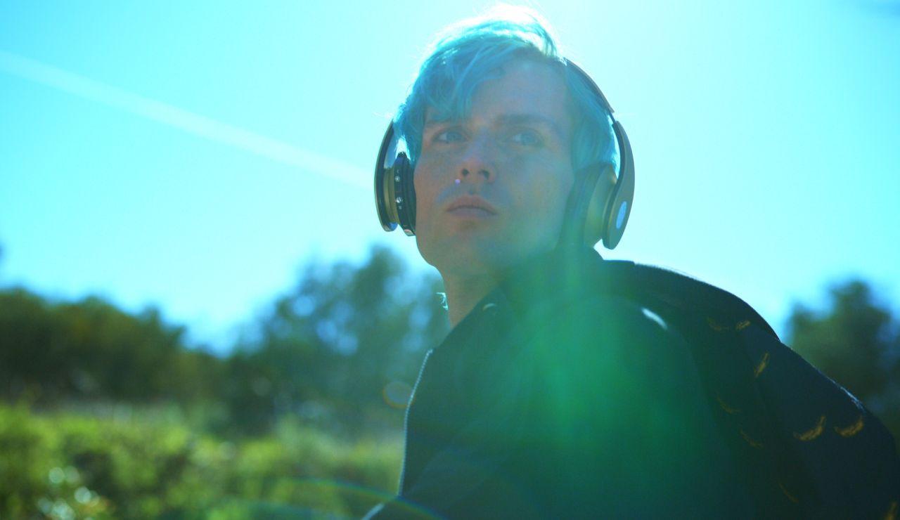 Juanjo Almeida es Andrea Norman Medina en 'Toy boy'