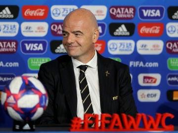 Gianni Infantino en la Copa del Mundo femenina de fútbol