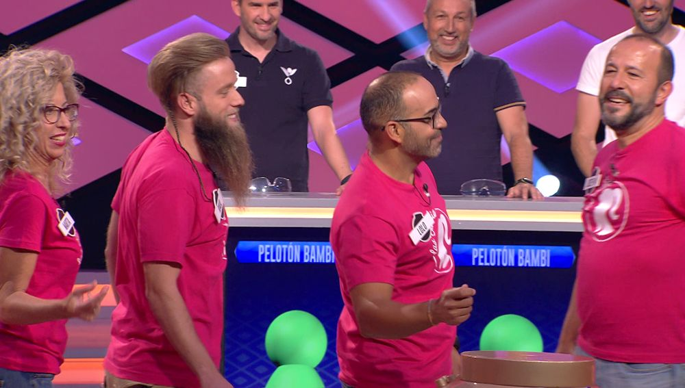 El equipo apadrinado por Erundino, de 'Los Lobos', sorprende con una divertida versión de la canción 'Barbie Girl' en '¡Boom!'
