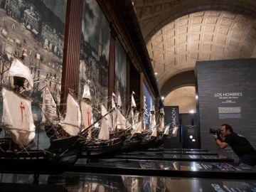 El Archivo General de Indias en Sevilla acoge la exposición 'El viaje más largo: la primera vuelta al mundo' con motivo del V centenario de la circunnavegación liderada por Magallanes y Elcano.