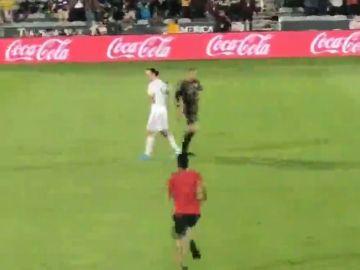 Ibrahimovic la vuelve a liar y  se mofa de un aficionado