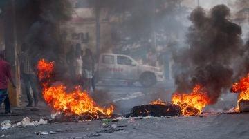 Graves disturbios en una nueva jornada de protestas en Haití