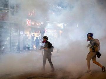 Decimosexta semana consecutiva de protestas en Hong Kong