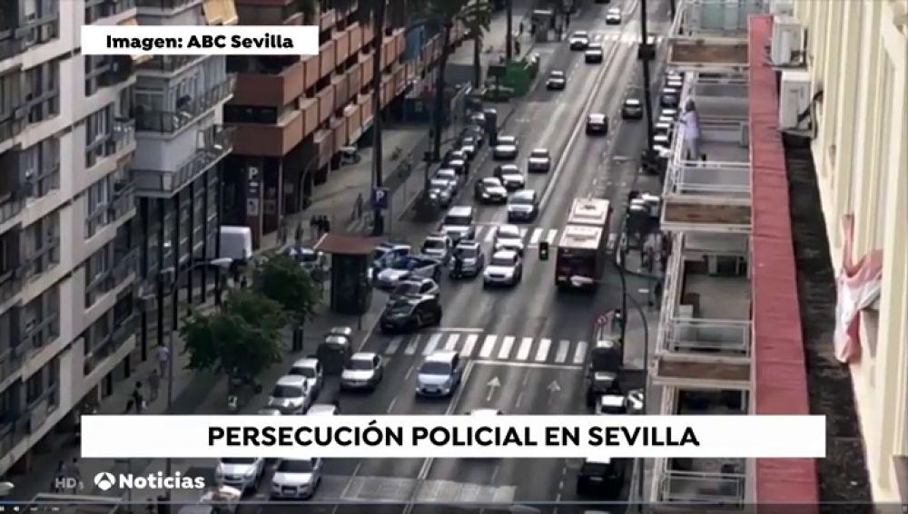 Espectacular persecución en Sevilla para cazar a un hombre que había tirado tres cuerpos a la cuneta
