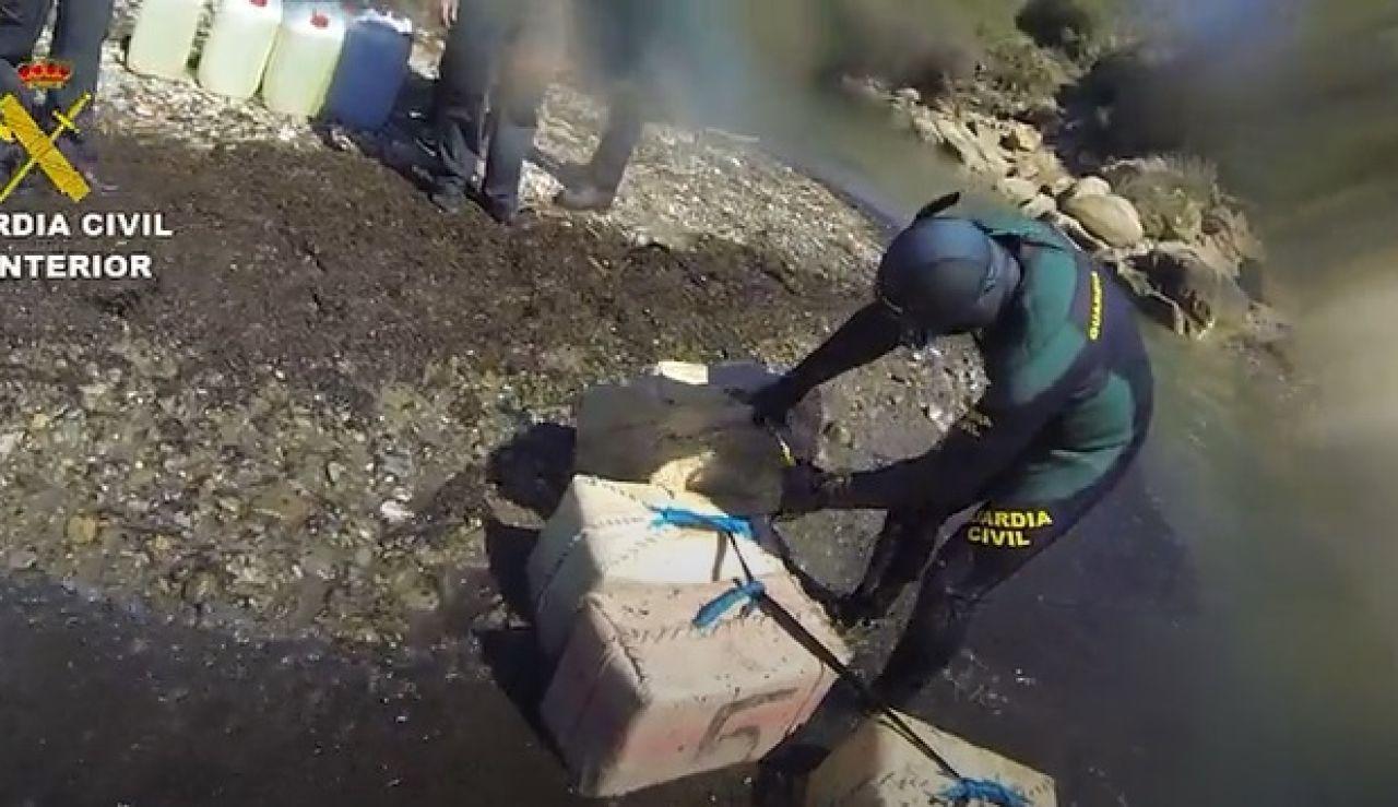 Detenidos 32 miembros de una red de tráfico de hachís de Tarifa