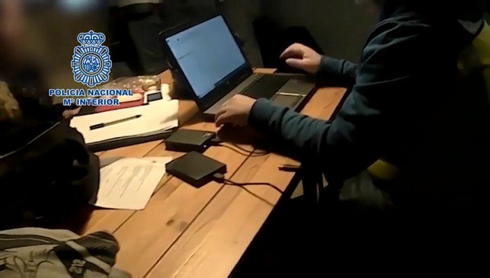 Detenido un estudiante como presunto líder e instructor de pedófilos a través de Internet