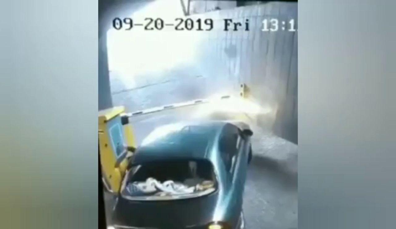 El vídeo viral de un conductor en apuros en un párking