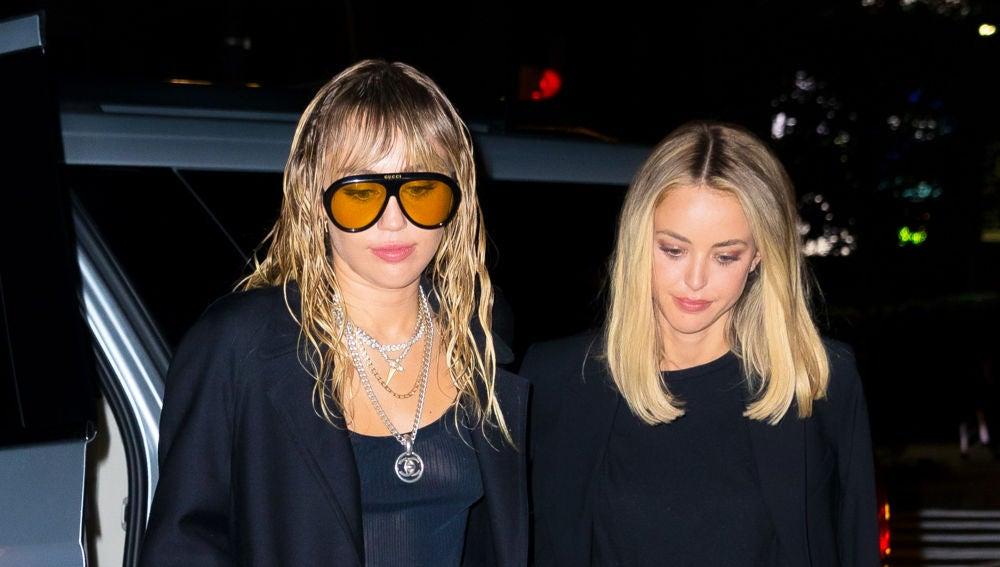 Miley Cyrus y Kaitlynn Carter