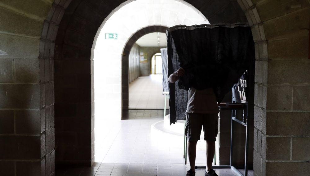 ENCUESTA DE LA RAZÓN La abstención en las elecciones del 10N subiría al 35% el 10N, una cifra récord