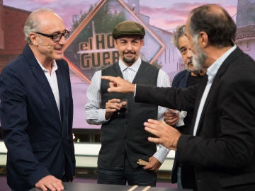 Carlos Iglesias, Roberto Álvarez y Ramón Barea, incapaces de ganar a un imbatible Don Rogelio en 'El Hormiguero 3.0'