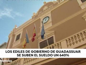 El alcalde de Guadassuar en Valencia sube los sueldos un 640% tras echar al anterior alcalde con una moción de censura
