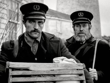 Robert Pattinson y Willem Dafoe en 'The Lighthouse'