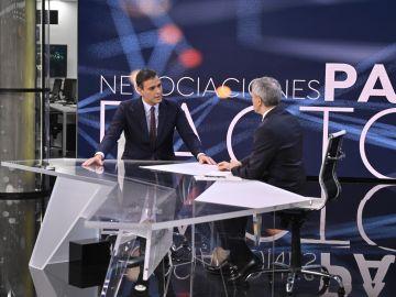 Pedro Sánchez es entrevistado por Vicente Vallés en Antena 3 Noticias 2