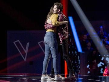 David Bisbal se queda con María Expósito cantando al unísono 'Dígale' en 'La Voz Kids'