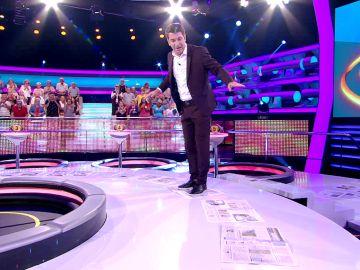 El 'fregao' en el que se mete Arturo Valls por Rosalía en '¡Ahora caigo!'