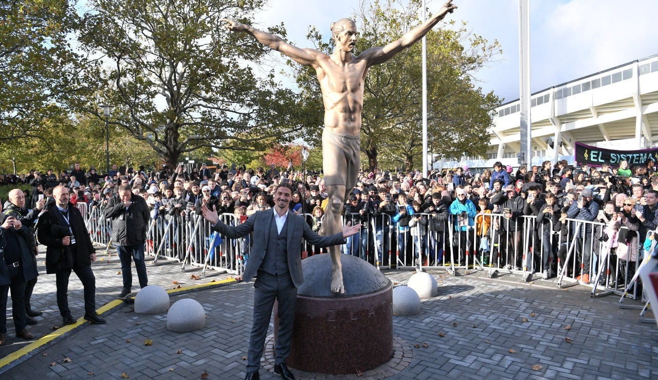 Ibrahimovic inaugura su estatua en Malmoe